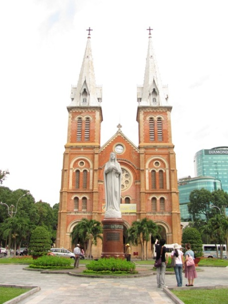 Notre Dame Cathedral HCMC-2
