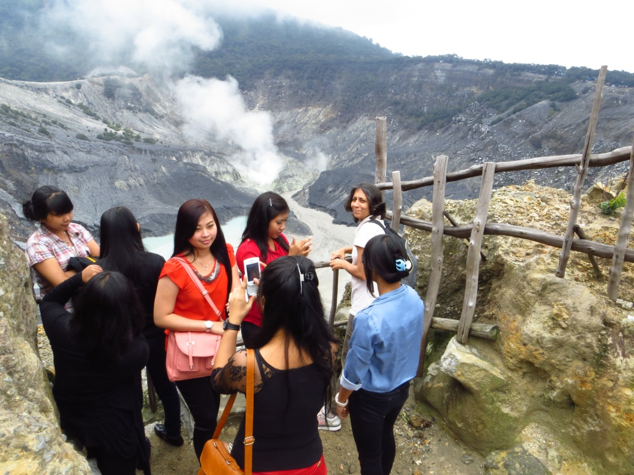 Uju at Tangkuban Perahu