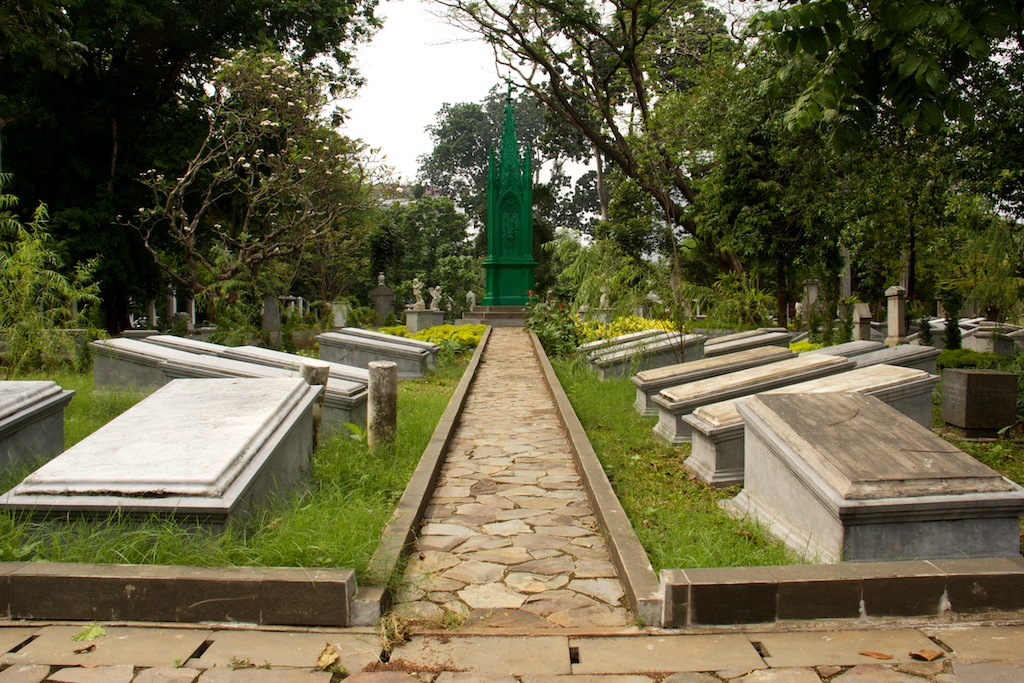 A Grave Tour…again