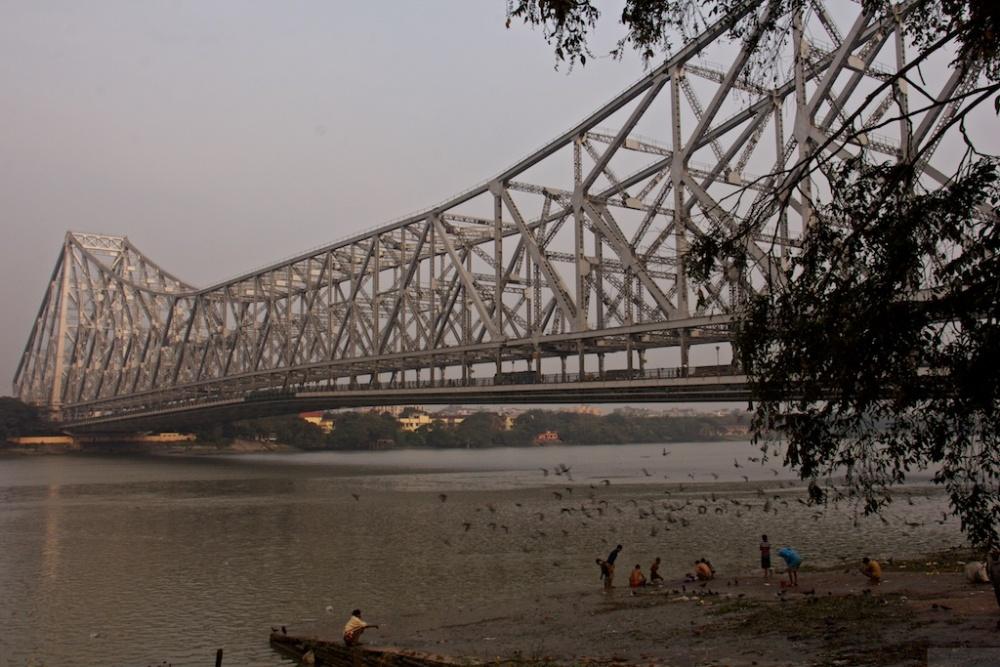 On the Streets of Kolkata - #2 (A Tale of 2 Bridges) (1/6)