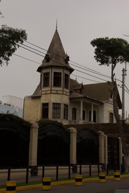 Walking in Barranco